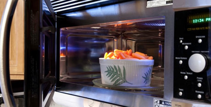 microwaving veggies is one of the healthiest ways to cook them
